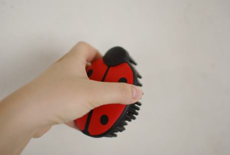 hunter rubber brush ladybug 2